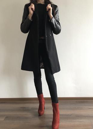 Пальто с кожаными рукавами на пуговицах плащ демисезонный
