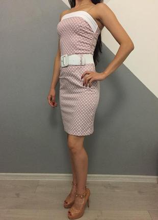 Платье в горошок без бретелей в стиле 60-х