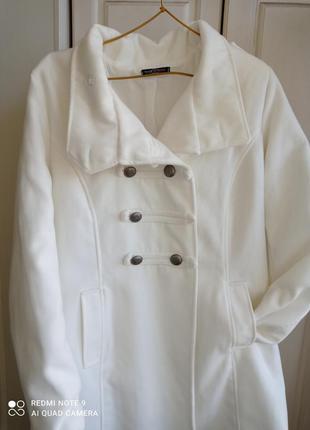 Пальто белое италия