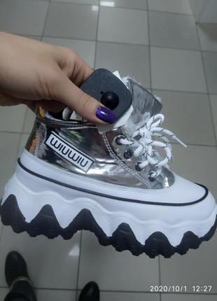 Женские ботинки на меху зима
