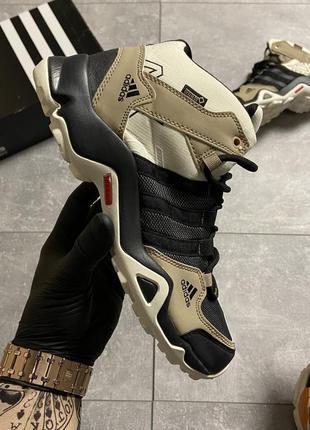 Невероятно крутые мужские кроссовки adidas terrex ax3 beige/black