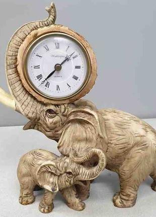 """Часы настольные """"Слоны"""""""