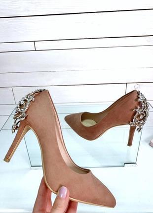 Замшевые туфли лодочки с украшением,бежевые туфли на каблуке с...