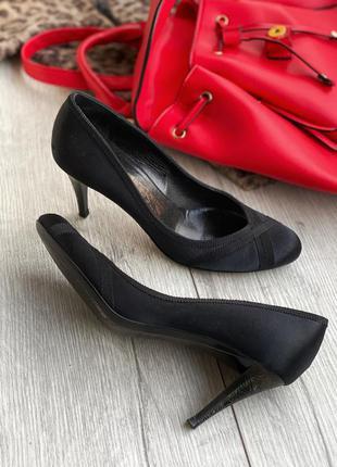 Туфли с красивым каблуком salvatore ferragamo оригинал
