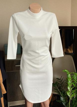 Платье  с вырезами по боками boohoo