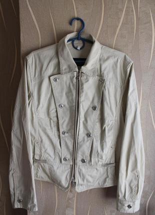 Стильненькая бежевая хлопковая курточка на прохладную погоду m...