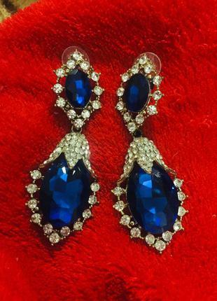 Бижутерия серьги с красивым синим камнем
