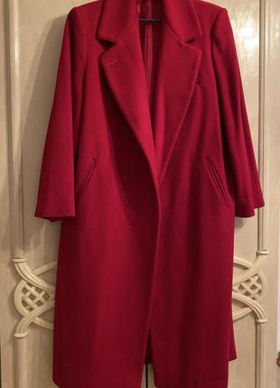 Красное шикарное пальто из чистой шерсти