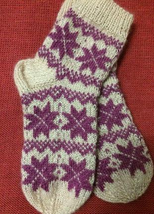 Носки  шерстяные, связанные вручную.