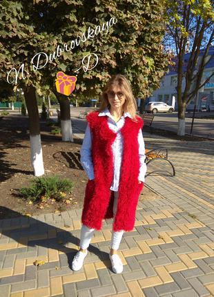 Вязанный, демисезонный, пушистый жилет красного цвета handmade