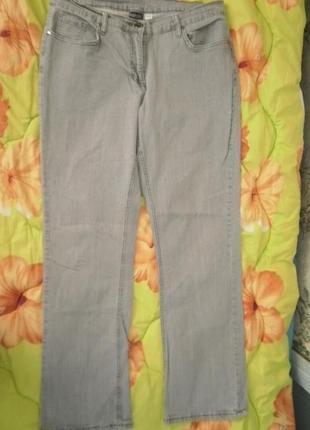 Шикарные джинсы серого цвета.  фирменные esmara.