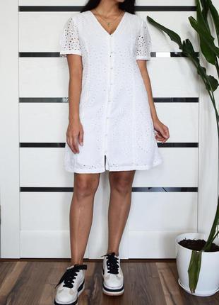 Платье с перфорацией (новое. с биркой ) primark