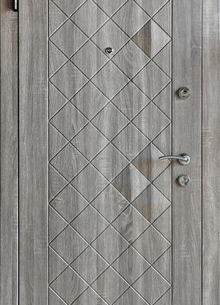 Предлагаем оптом входные металлические двери от производителя