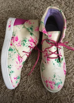 Ботинки кожаные деми laura vita limited 450 грн