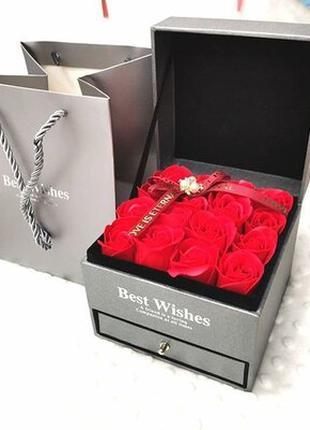 Шкатулка с розами из мыла и кулон I Love You