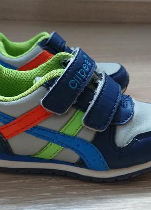 Яркие кроссовки clibee