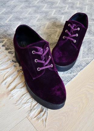 Велюровые туфли на платформе и каблуке