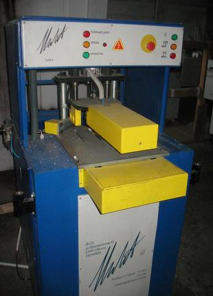 Автоматический станок для зачистки углов
