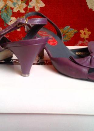 Босоножки - кожаные фиолетовые, сиреневые винтажные