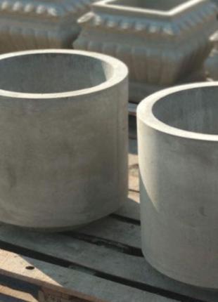 Уличные горшки из бетона