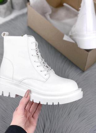 Ботинки белые зима / утеплитель