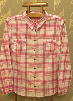 Очень красивая и стильная брендовая рубашка в клетку.
