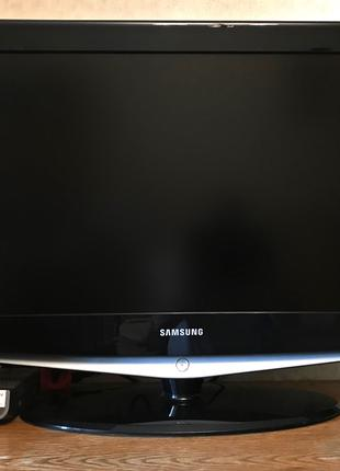 ПРОДАЮ телевізор Samsung LE 32 R72B (виробник - Угорщина)