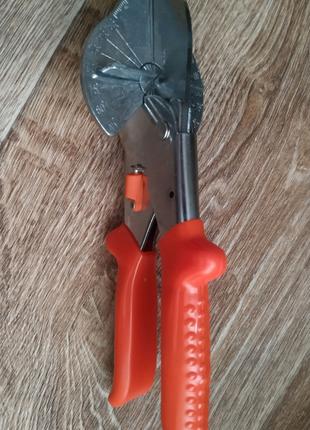 Ножницы под угол 45°, для резки пластиковых изделий