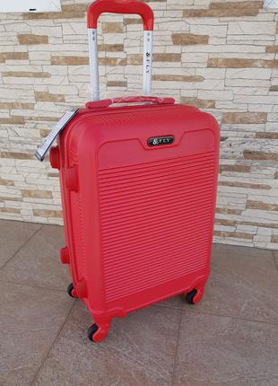 Новинка чемодан производство Польша фирмы Fly 1093 red