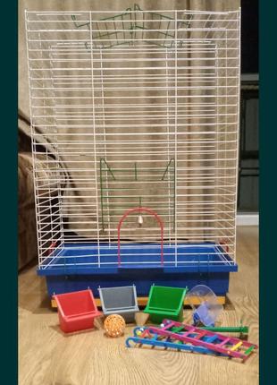 Клетка(для средних попугаев)