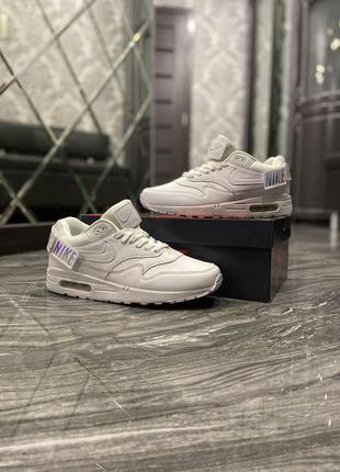 Nike air max 1 wmns triple white