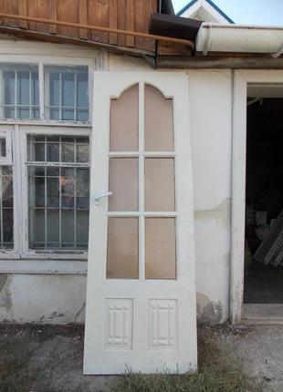 Межкомнатную дверь б/у