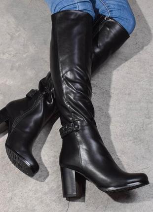 Зимние сапоги на высоком каблуке