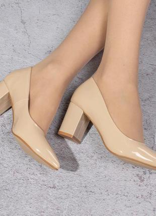 Классические туфли на среднем каблуке (328461)