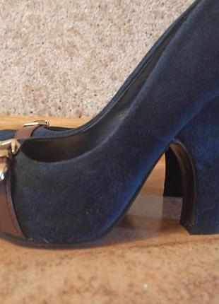 Туфли синие на каблуке  р 39 стелька 25