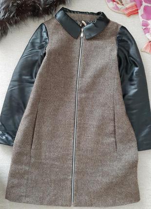 Модное теплое шерстяное пальто , 36р.
