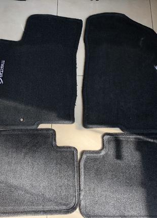 Оригинальные коврики на Mazda 6