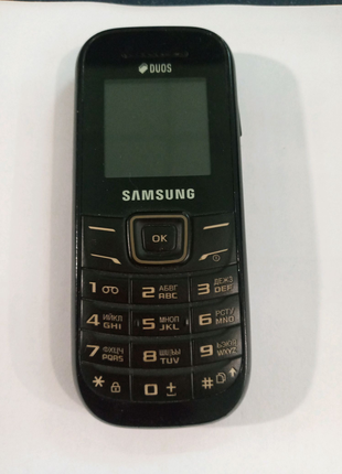 Samsung  GT-E1202 Duos