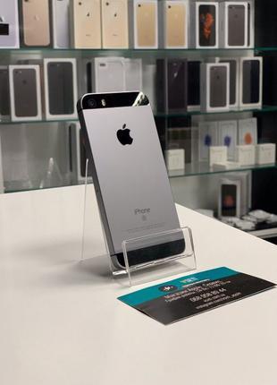 В продаже iPhone СЕ 16 GB Спейс грей 5/5s/SE 32-64