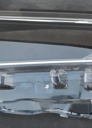 Toyota Rav4 стекло фары 8110A-42840  8110B-42840