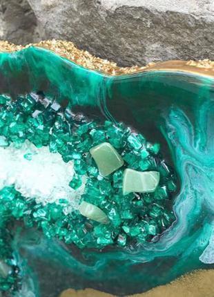Эксклюзивный стол ручной работы с эпоксидной смолой и камнем
