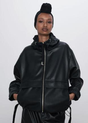 Куртка zara кожзам черная