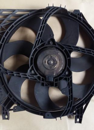Вентилятор радіатора Nissan Primera P12 2003