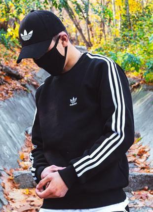 Свитшот мужской Adidas Badge утеплённыей