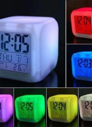 Электронные светящиеся часы Куб Хамелеон.