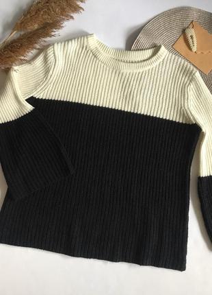 Черно- белый свитер papaya