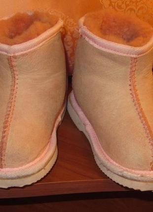 Угги розового цвета из натуральной кожи и шерсти мериноса. авс...