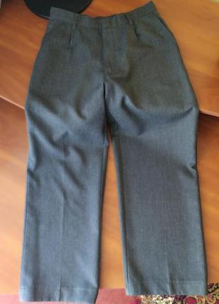 Школьные брюки на 9-10 лет