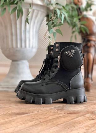 Женские кожаные ботинки prada monolith black черного цвета...