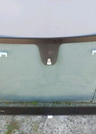 Chrysler 200 (2015-) лобовое стекло